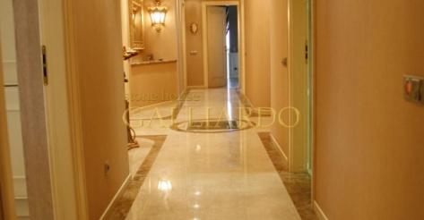 Мраморные полы Crema Marfil Giallo Reale